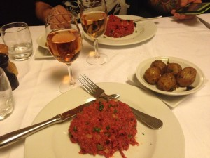 Rosé paired with steak tartare in Paris